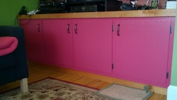 painting the living room cupboard benjamin moore night flower raspberry ikea couch