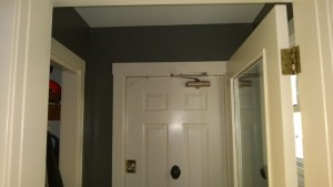 painting the front entrance hall benjamin moore kendall charcoal