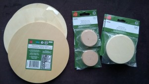 mobile supplies - wooden discs of various sizes