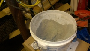 the drylok hydraulic cement comes in powder form