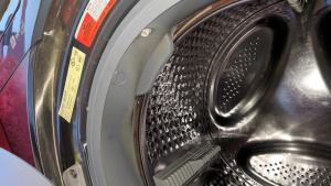 cleaning the rubber door ring of the washing machine